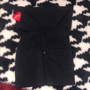 NWT SPANX Black Butt Lifting Shaper S